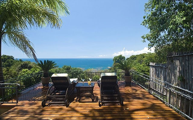 Manuel Antonio Rental Properties: Casa Carolina sun deck