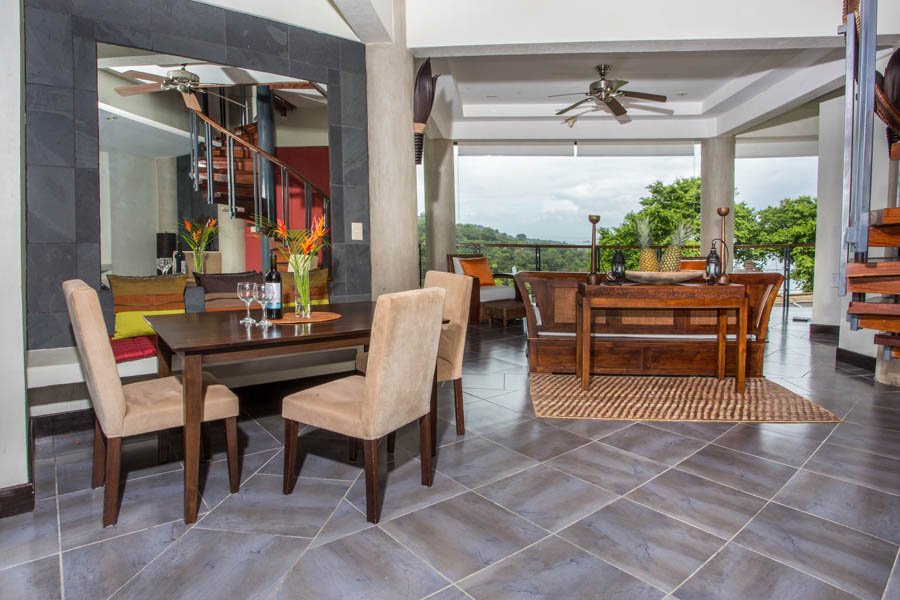 Villa Perezoso penthouse dining