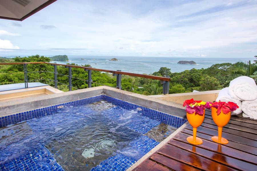 Villa Perezoso penthouse pool