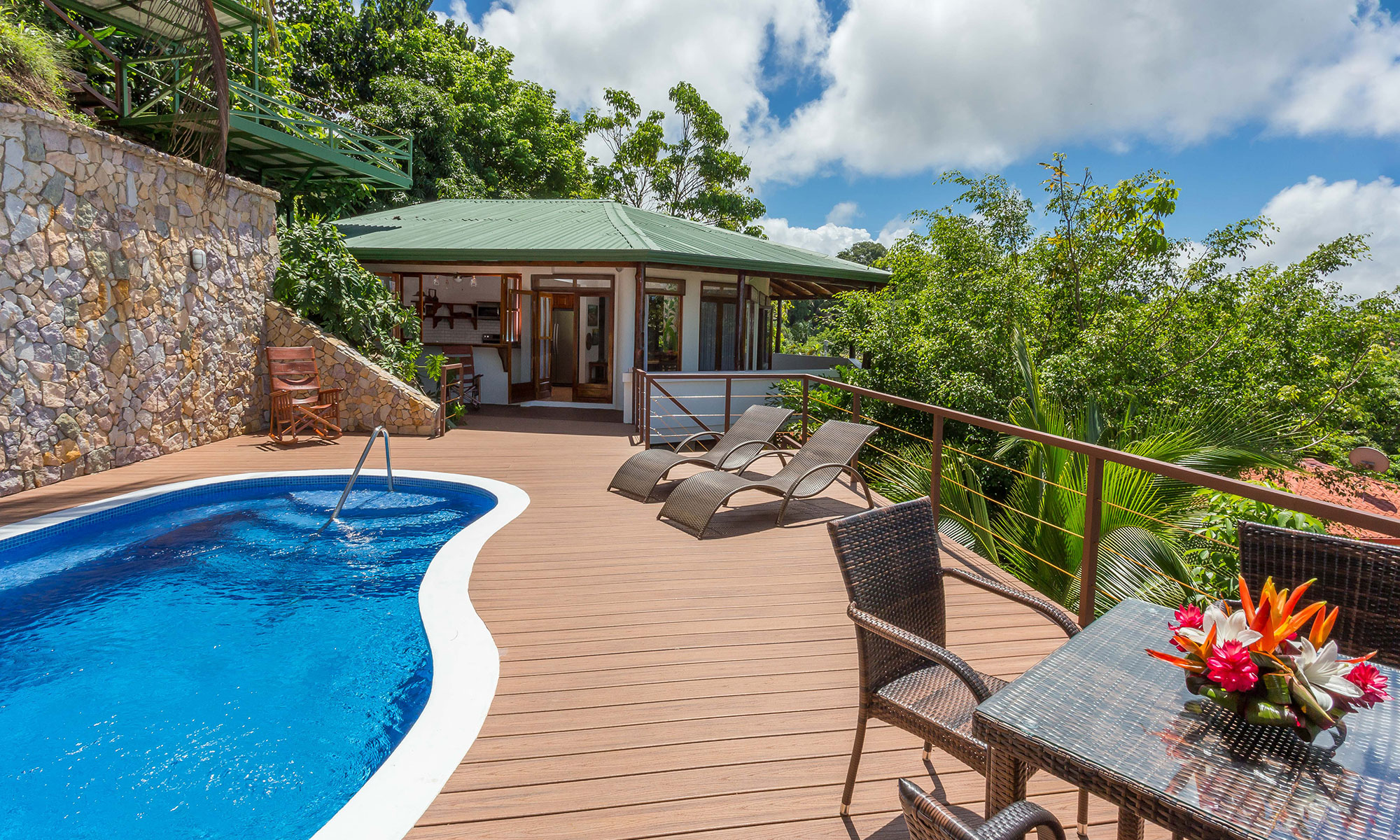 Villa Natura pool and sun deck