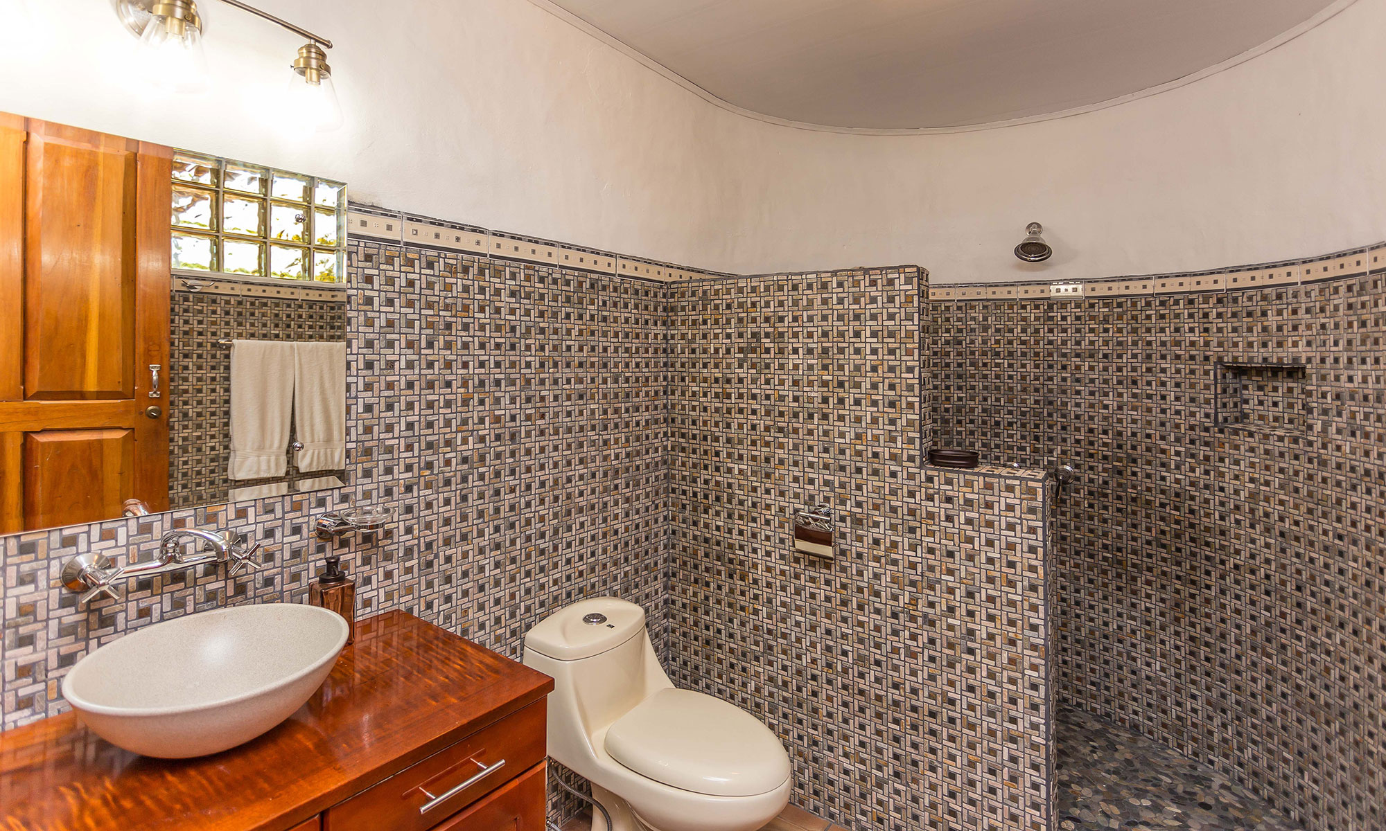 Villa Natura bathroom