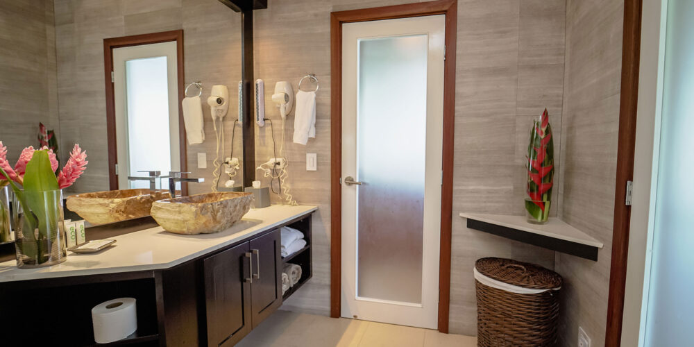 Sunset Hideaway Villa bathroom1