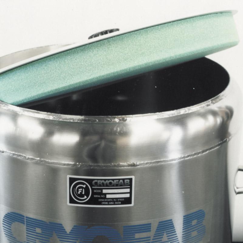 optional foam insulated lid for cryo dewar
