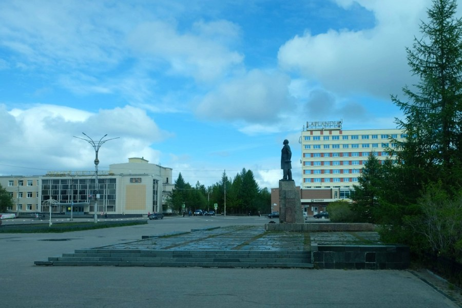 Lenin presiding over the town square in Monchegorsk.