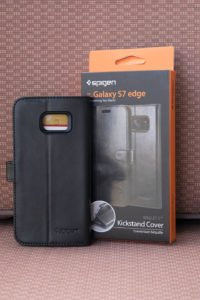 """Spigen's Samsung Galaxy S7 Edge has a wallet case you need to """"HAVE"""""""