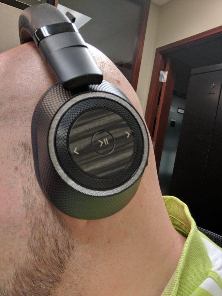 Backbeat Pro 2 controls