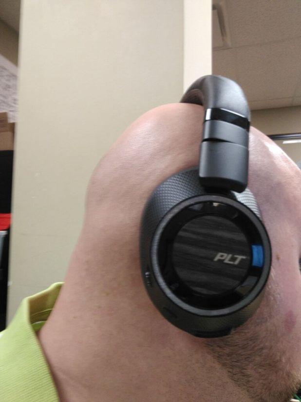 Backbeat Pro 2 telephone control