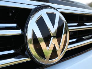 Volkswagen تطلب براءة اختراع نظام بلوكشين للتواصل بين السيارات