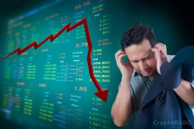 Почему крипторынок опустился до нового минимума. У бирж начались проблемы