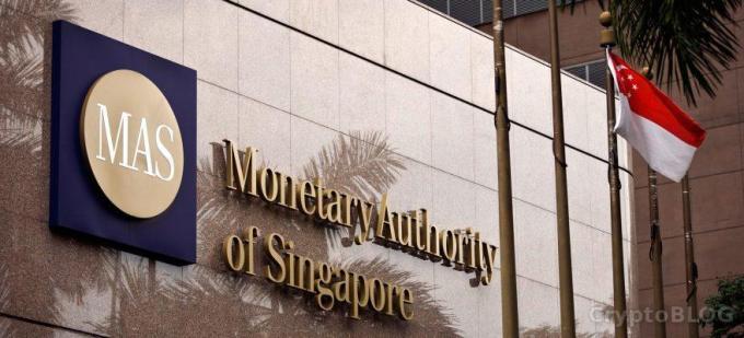 В Сингапуре криптокомпаниям помогут договориться с банками