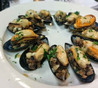 Mussels with Cream and Mushrooms