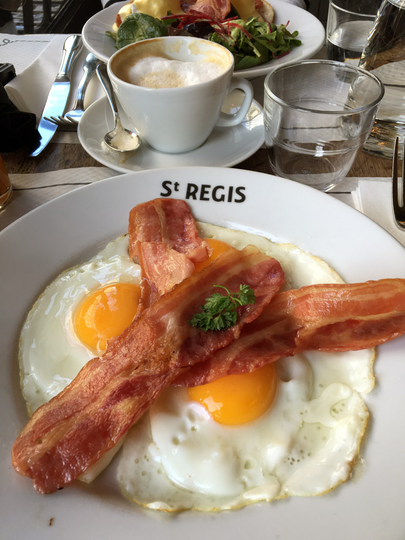 Cafe Saint Regis