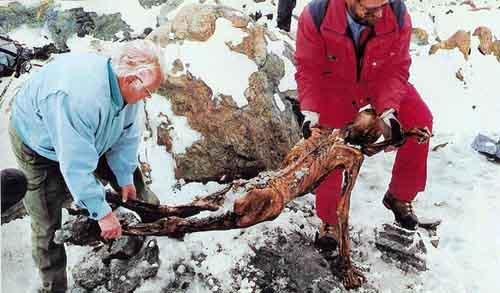 otzi ice1 10 Mumi Paling Bersejarah di Dunia