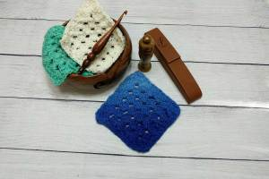 https://www.crystalized-designs.com/how-to-ombre-dye-a-crochet-project-video-picture-tutorial/