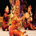 Mak Yong 1 - Malay Theatre Traditions