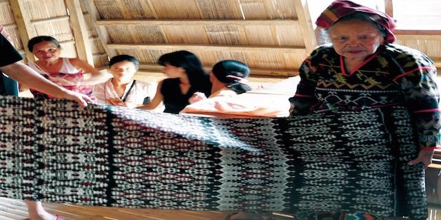 Tinalak Journal Cover - Talk: Weaving Dreams as Filipino Educational Praxis