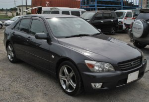 Used Toyota altezza Sedans 2000 model in Gray | Used Cars