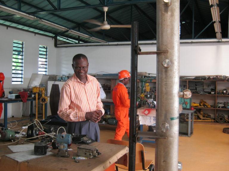 Un des Professeurs dans un des ateliers du csp