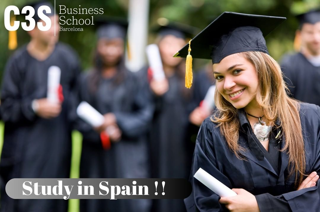 5 Reasons to Study Business Management Program in Barcelona Spain