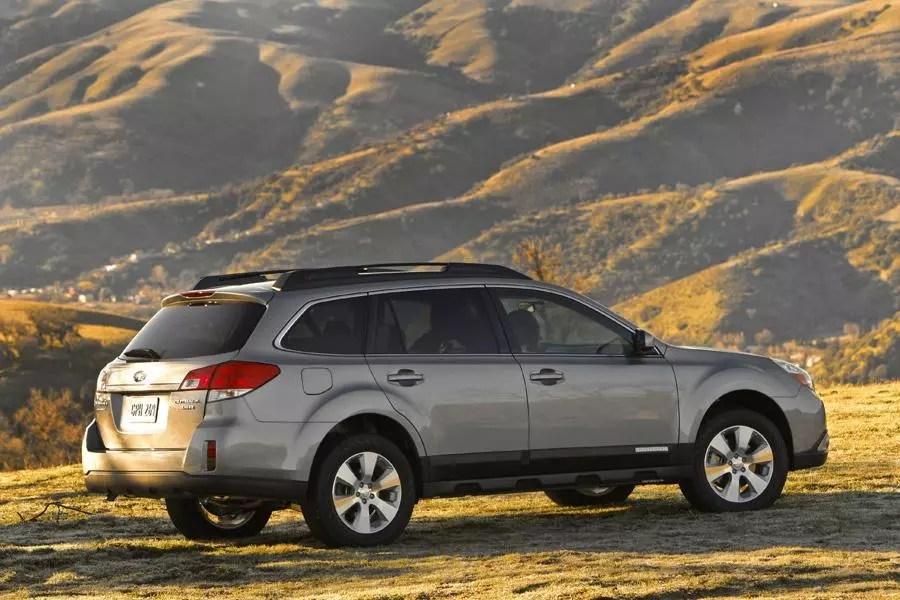 2011 Subaru Outback Overview Cars Com