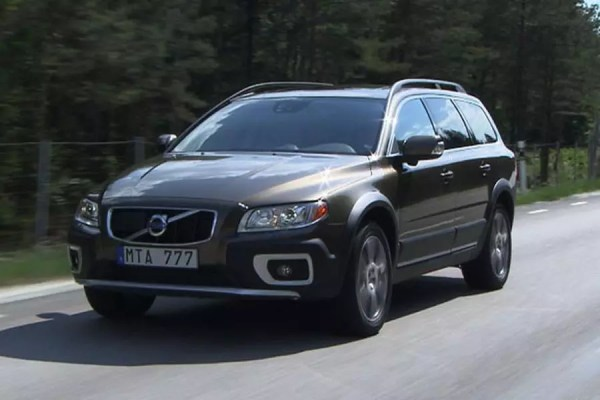 2013 Volvo XC70 Overview | Cars.com