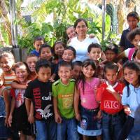 Musica e teatro al Grenoble per l'asilo Sector Primero di San Salvador