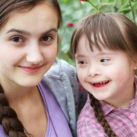 """Vivere la disabilità da fratelli, l'appello di """"Genitori per sempre"""" per creare una rete di sostegno"""