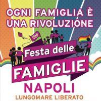 Il lungomare di Napoli accoglie la festa delle famiglie arcobaleno