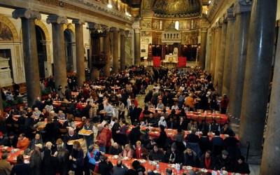 """""""Aggiungi un posto a tavola"""", parte la raccolta fondi per i pranzi di Natale con i poveri"""