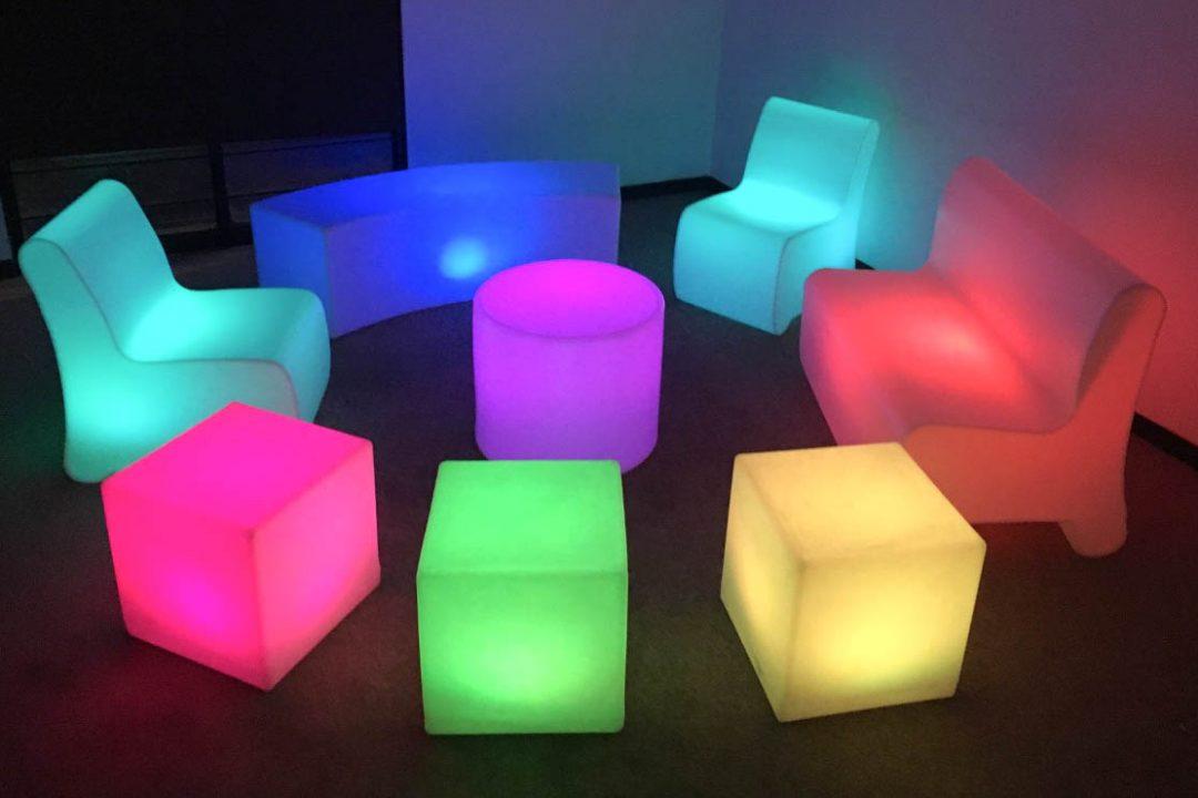 salas-y-periqueras-iluminadas-pista-led-y-cristal-dj-karaoke-D_NQ_NP_603215-MLM25194555021_112016-F