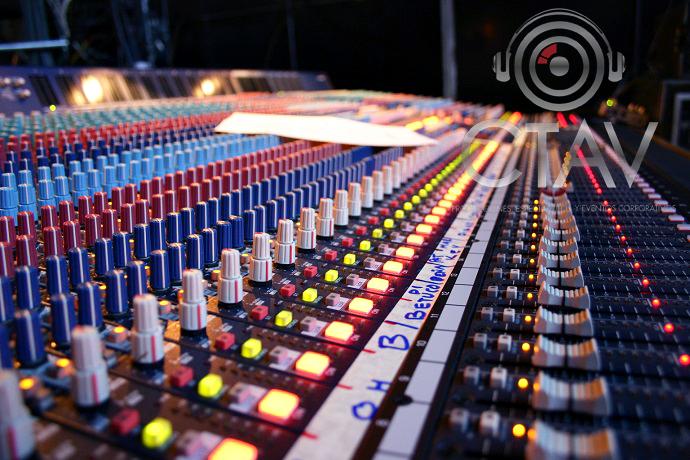 img-5cd52decaa7bd-distribuir-sonido-evento