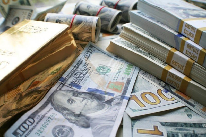 Langkah Berjaga-jaga Traders Meningkatkan Harga Emas, Melemahkan USD