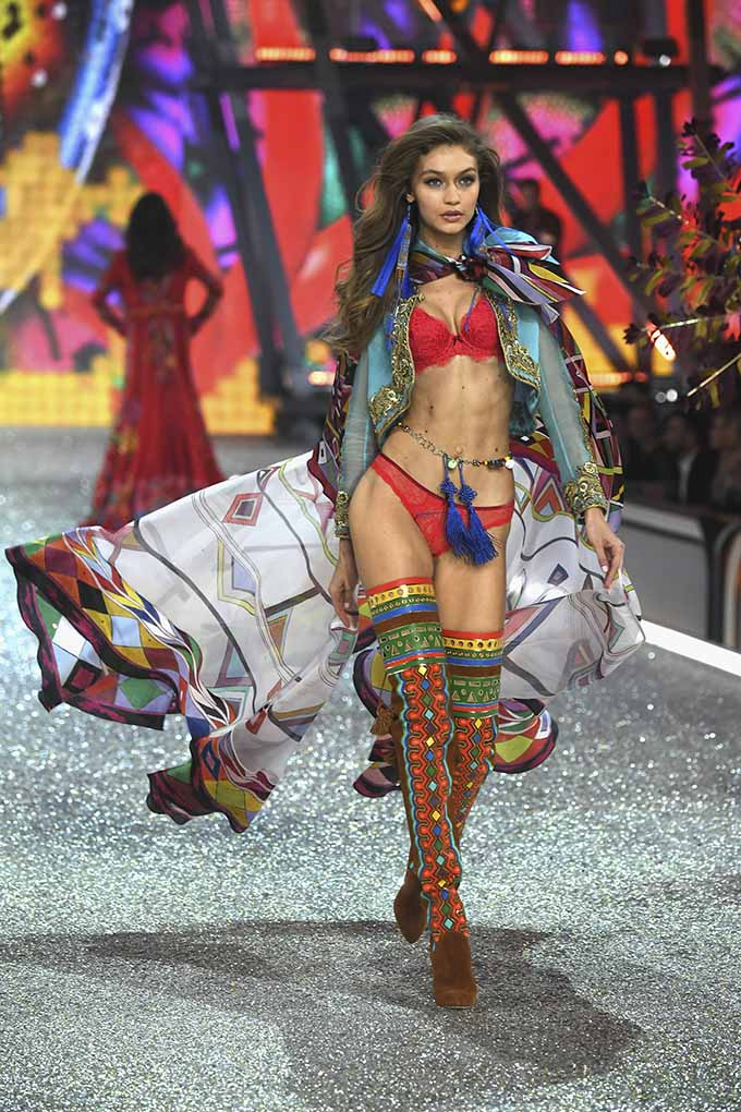 PARIS, FRANCE - NOVEMBER 30: Gigi Hadid walks the runway at the Victoria's Secret Fashion Show on November 30, 2016 in Paris, France. (Photo by Pascal Le Segretain/Getty Images for Victoria's Secret)