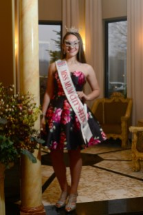 Miss Mum City's Outstanding Teen Maggie Wernicki