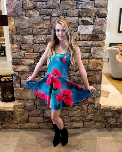 Model Name: Zoiey Cook HMUA/STYLING: https://paulmitchell.edu/knoxville Designer/Photographer: Ron Vestal/ Glow-art.com