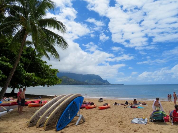 Strand in baai van Hanalai