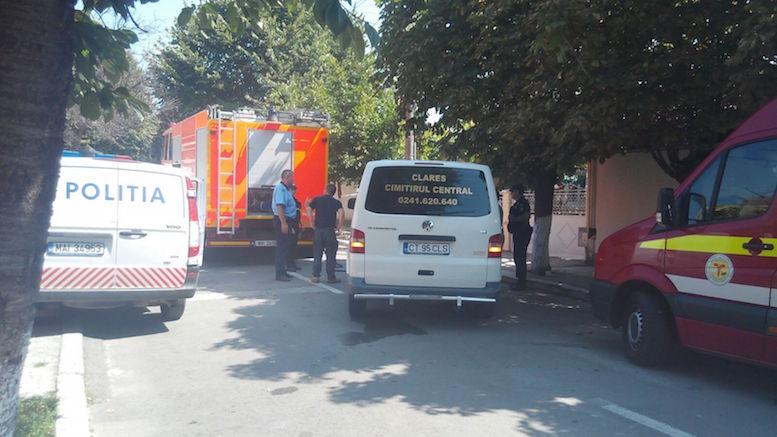 Mașina de la Morga Cimitirului Central din Constanța a sosit pentru a prelua trupul pompierului ucis în misiune