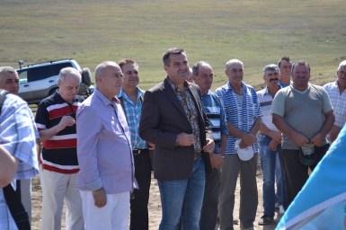 Valentin Vrabie și politicienii care i-au fost alături în ziua cișmelelor. FOTO Adrian Boioglu