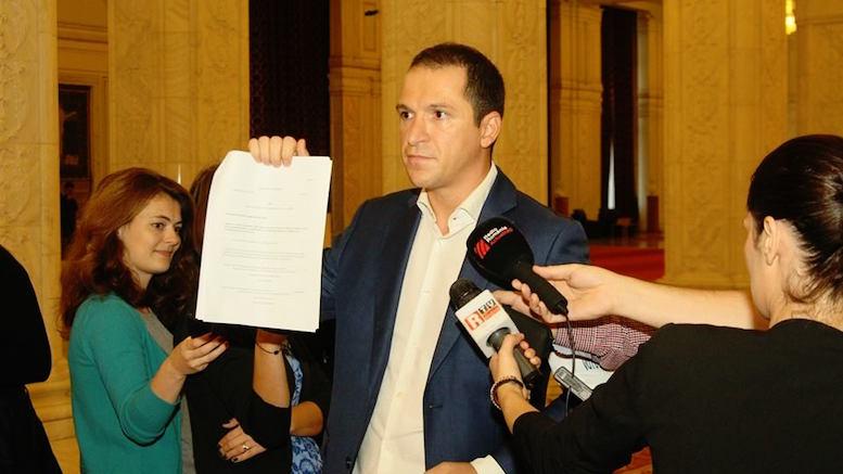 Deputatul Mihai Tararache a prezentat proiectul legii Locuinței. FOTO Facebook