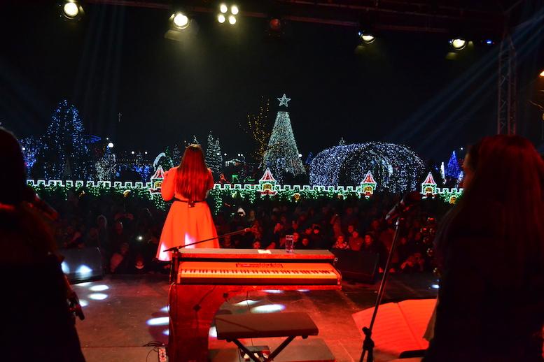 Paula Seling, față în față cu sutele de spectatori. FOTO Adrian Boioglu