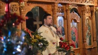 Preotul de la Ivrinezu Mare. FOTO Adrian Boioglu
