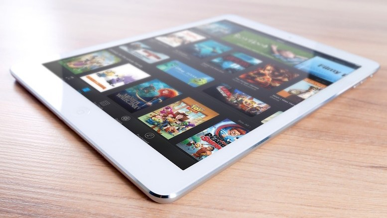 Aplicații iPad. FOTO: https://pixabay.com/ro/ipad-mac-apple-mobil-comprimat-606766/