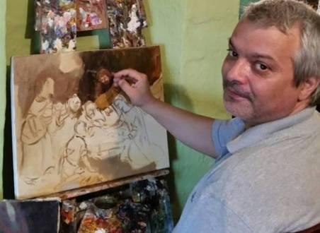 Pictorul Dan Deaconu speră la ajutorul celor care îi admiră icoanele. FOTO reporterntv.ro
