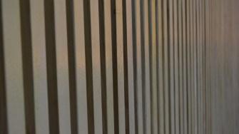 Pereții sunt căptușiți cu scândurele ignifuge. FOTO Adrian Boioglu