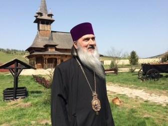 IPS Teodosie a vizitat mănăstirea Crucea. FOTO Adrian Boioglu