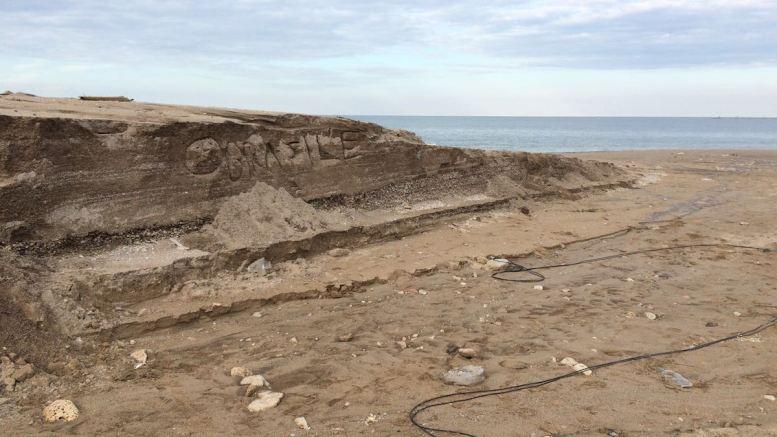 Plaja din Vama Veche, distrusă de o viitură