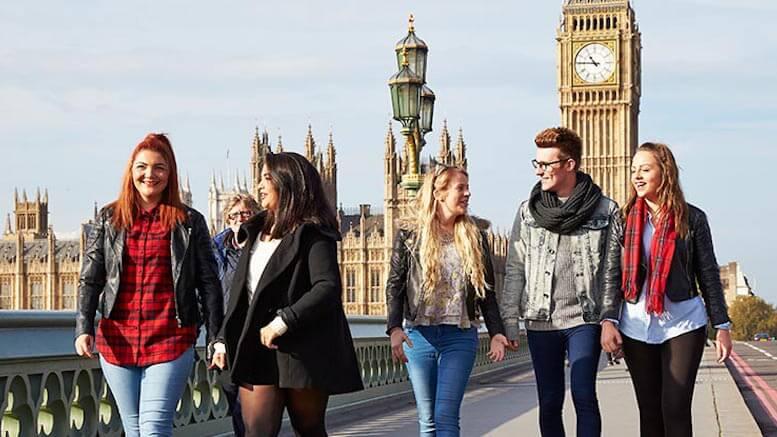 Studenți la Londra. FOTO stmarys.ac.uk