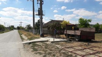 Stații de autobuz noi în comuna Peștera