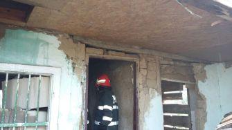Pompierii au intervenit pentru stingerea incendiului FOTO ISU Dobrogea