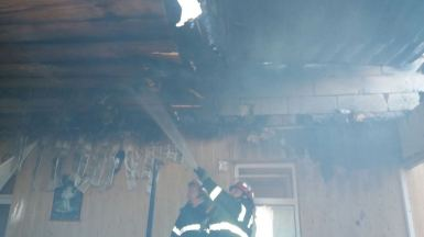 Incendiu la mănăstirea Stejaru
